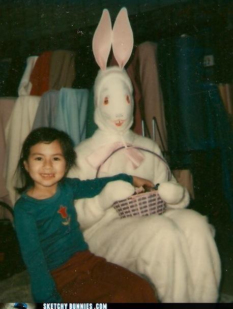 Awkward basket costume reaching - 4525965312