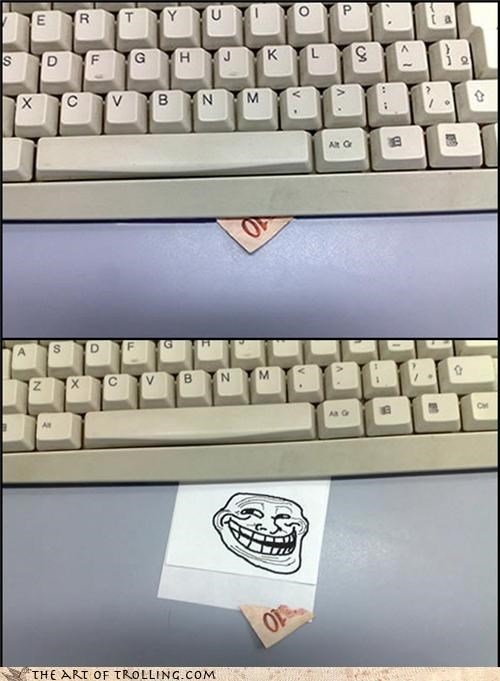 a tenner australia computers england IRL trollface which country is that - 4532997632