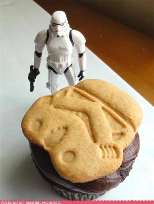 chocolate cookies cupcake epicute frosting star wars stormtrooper - 4538759424