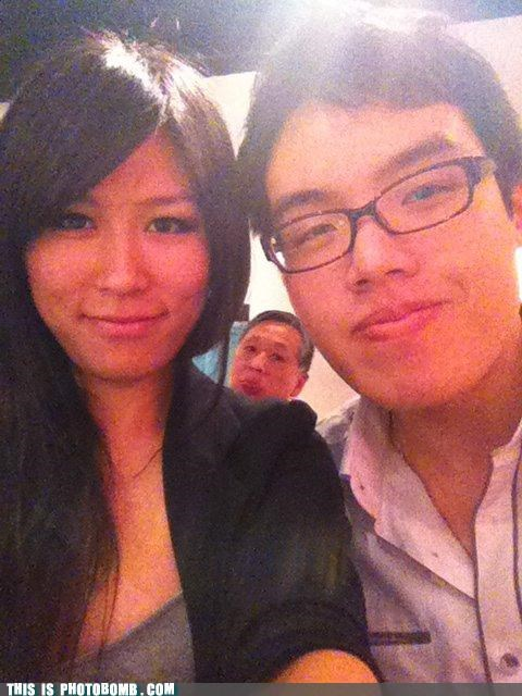 CHINESE MAN PHOTOBOMB