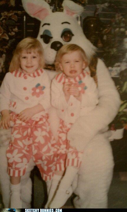 creepy Staring twins weird eye - 4559111424
