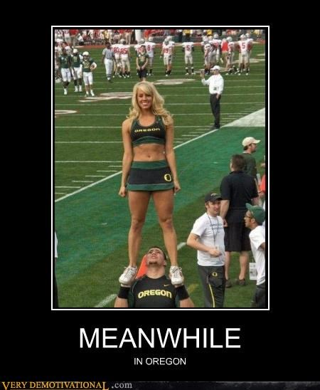 oregon Sexy Ladies cheerleaders leering