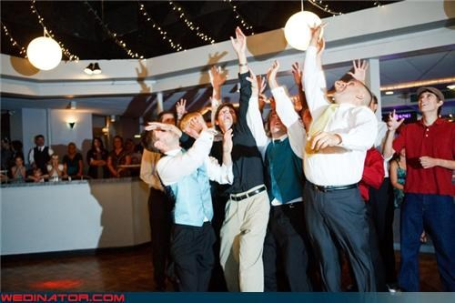 bouquet toss,funny wedding photos