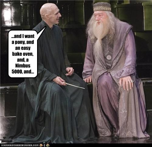 actor celeb dumbledore funny Harry Potter Lord Voldemort ralph fiennes richard harris sci fi - 4582937344