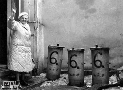 666 cute grandma metal metal horns - 4585660416