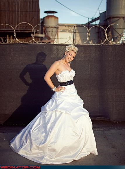 bride,funny wedding photos,prison,wedding dress