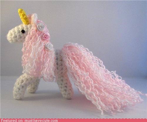 Amigurumi crochet magic pink roses unicorn