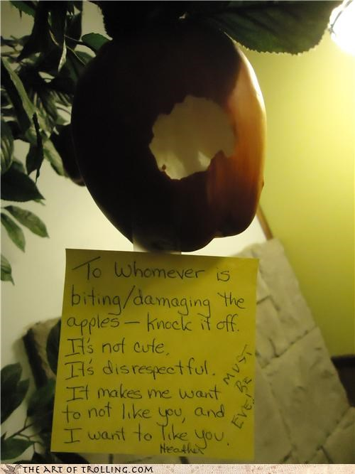 apple,biting,Eve,IRL