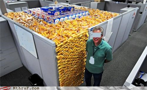 awesome,classic,cubicle,prank,twinkie