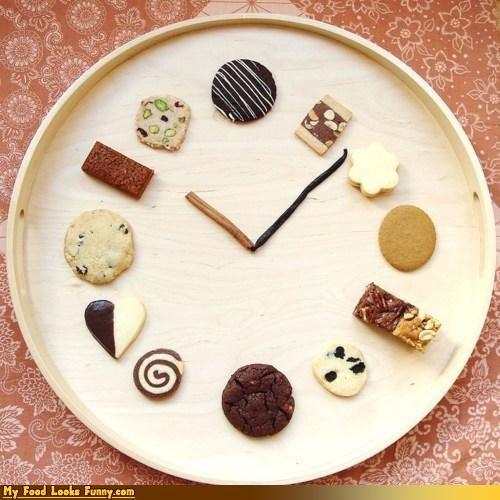 cinnamon,clock,cookies,vanilla