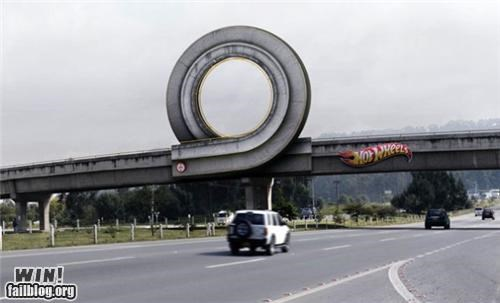 ads driving highway Hot Wheels - 4624398848