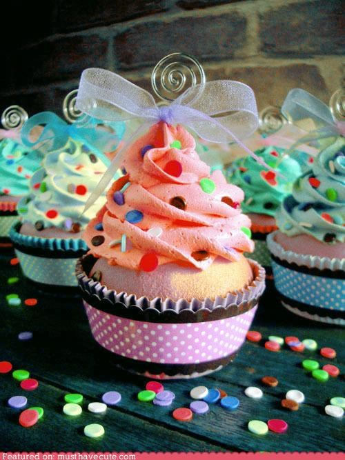 bow,cupcakes,epicute,frosting,ribbon,sprinkles