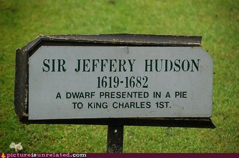 cemetery dwarf pie sign - 4631310080