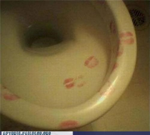 drunk gross kissing lips sick toilet - 4648150016