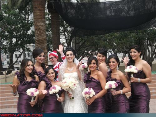 bride,funny wedding photos,photobomb,wedding party