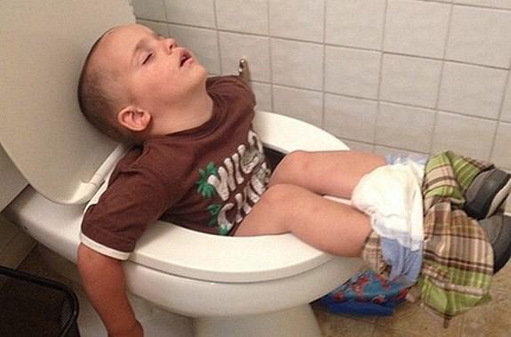 gifs kids everywhere falling asleep - 4664069