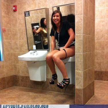 bathroom pee sink stall - 4666075904