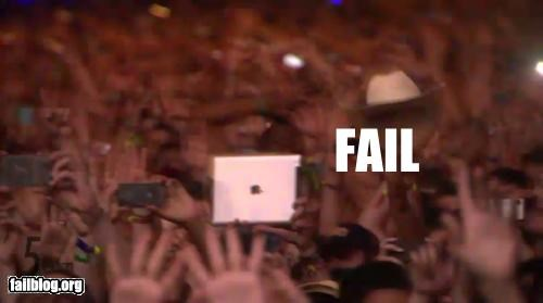 Apple product coachella concert failboat ipad Music - 4667909888