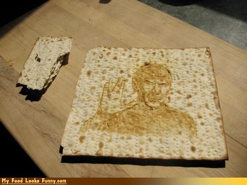 bread cracker matzoh Passover Spock Star Trek Vulcan vulcan salute - 4675410176