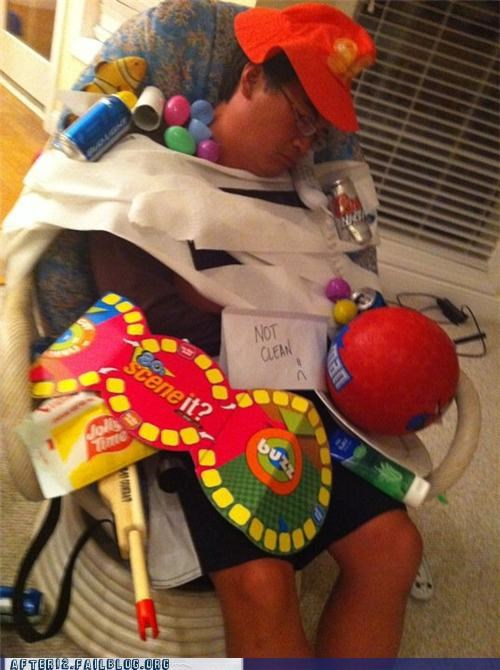 games passed out toys - 4692639488