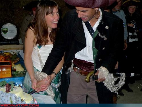 funny wedding photos,pirate wedding,wedding cake