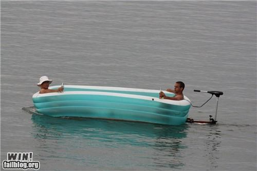 beer boat drinking floating pool swimming - 4732422912