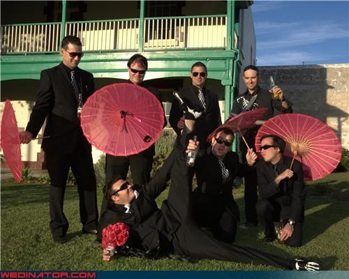 funny wedding photos Groomsmen parasols umbrellas