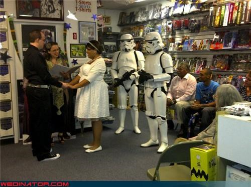 comic shop wedding,funny wedding photos,Hall of Fame,star wars