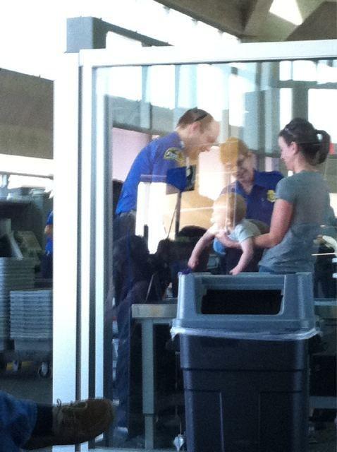 Follow Up Kansas City International TSA - 4746449152
