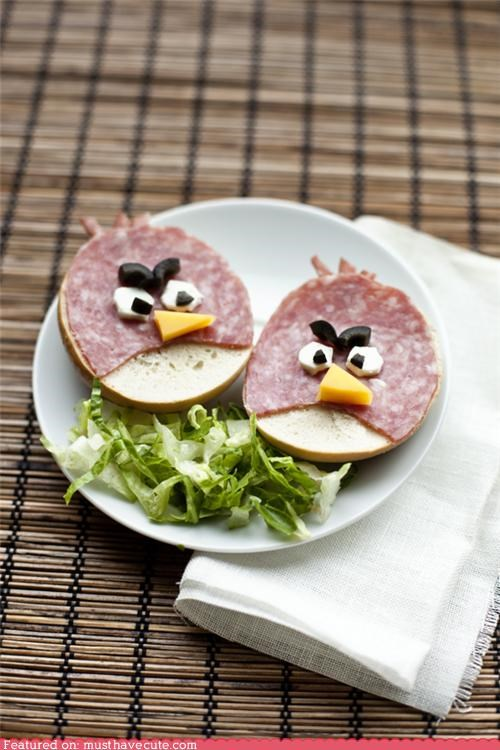 angry birds,bagel,cheese,epicute,lettuce,olives,salami,sandwiches