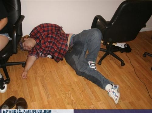 pants passed out urine - 4765722368