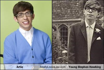 artie,astrophysics,BAMF,glasses,glee,kevin mchale,Music,physicists,scientists,stephen hawking,televison show