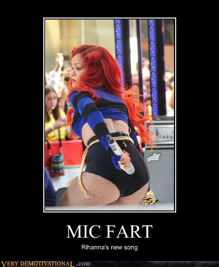 booty fart hilarious microphone rhianna - 4815326720