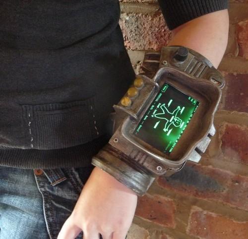fallout 3 iphone iphone mods pip boy pip-boy 3000 Tech Toyz video games - 4816091904