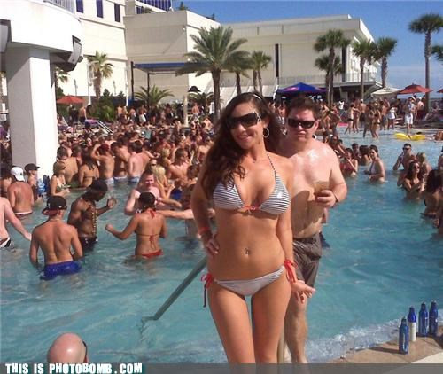 Awkward bikini pool vacation - 4820971264