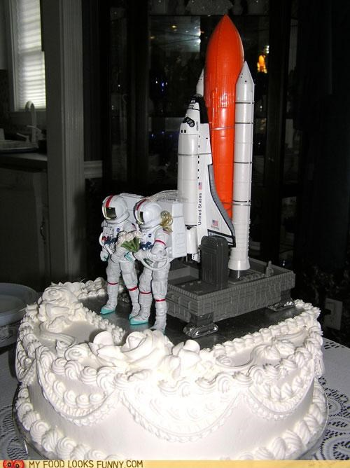 astronauts,cake,moon,space,space shuttle,wedding