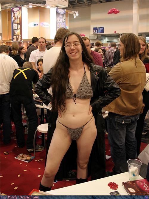 bikini,chainmail,convention