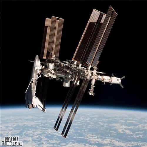 awesome docked nasa space space is rad space shuttle - 4847296768