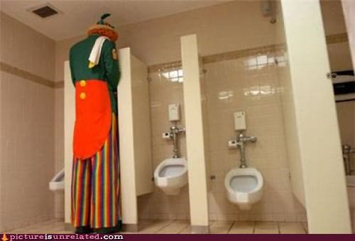 bathroom clown pee tall wtf - 4848281856