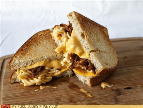 bread,cheese,mac n cheese,messy,pulled pork,sandwich