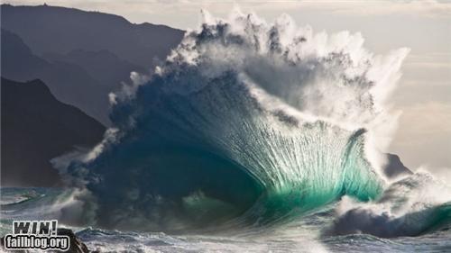 crashing the ocean waves - 4892764672