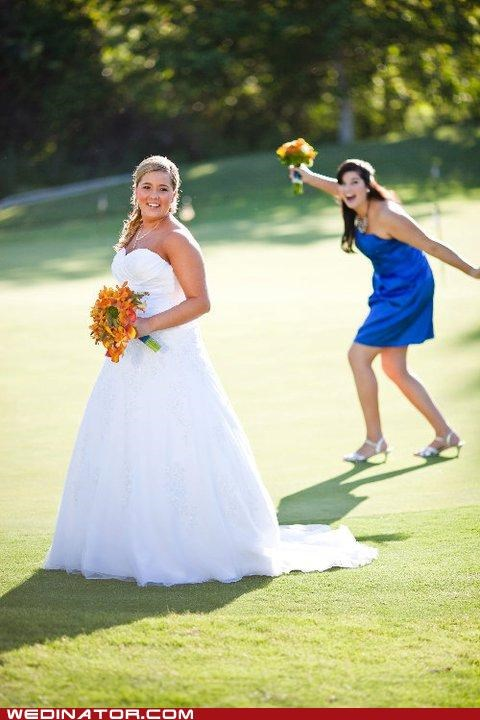 bride,bridesmaid,funny wedding photos,golf,photobomb