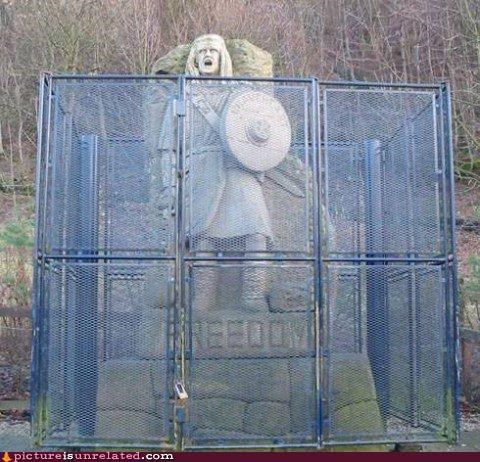 cage fence freedom william wallace wtf - 4902307328