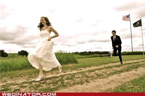bride,funny wedding photos,running,running bride