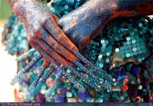 fingernails glitter hands - 4917828608