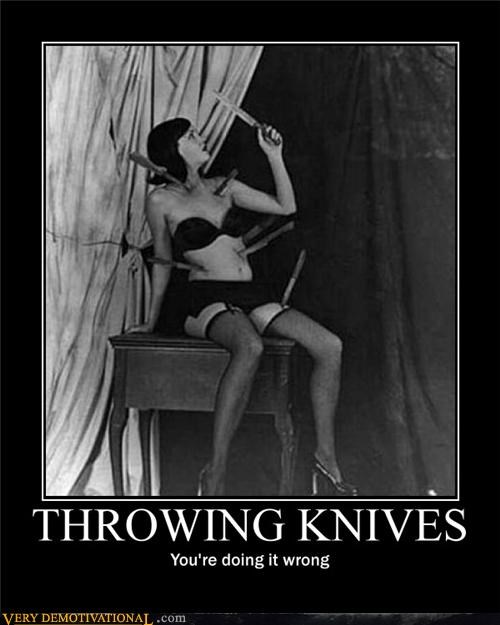 doing it wrong hilarious ouch throwing knives wtf - 4918163456