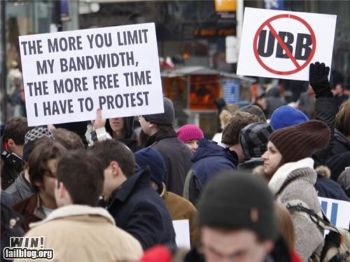 clever Protest signs the internet - 4962073088