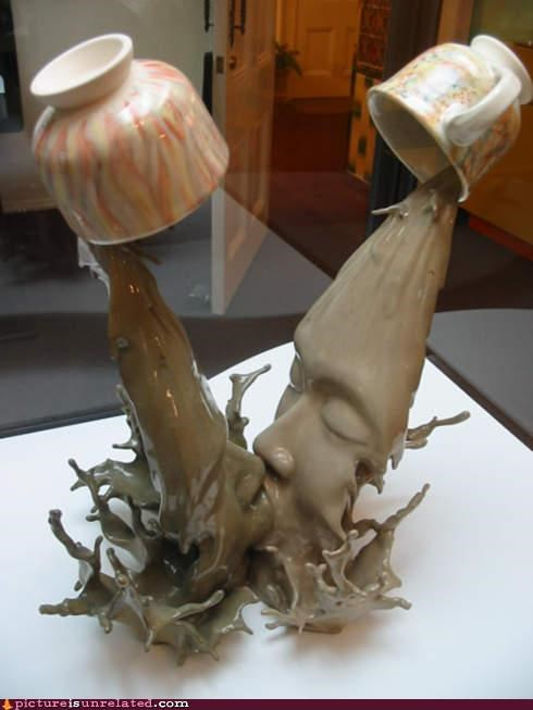 art coffee kissing sculpture wtf - 5001348096
