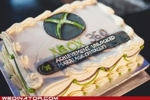 funny wedding photos geek Hall of Fame wedding cake xbox - 5051239424