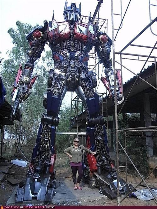 optimus prime,statue,transformers,wtf
